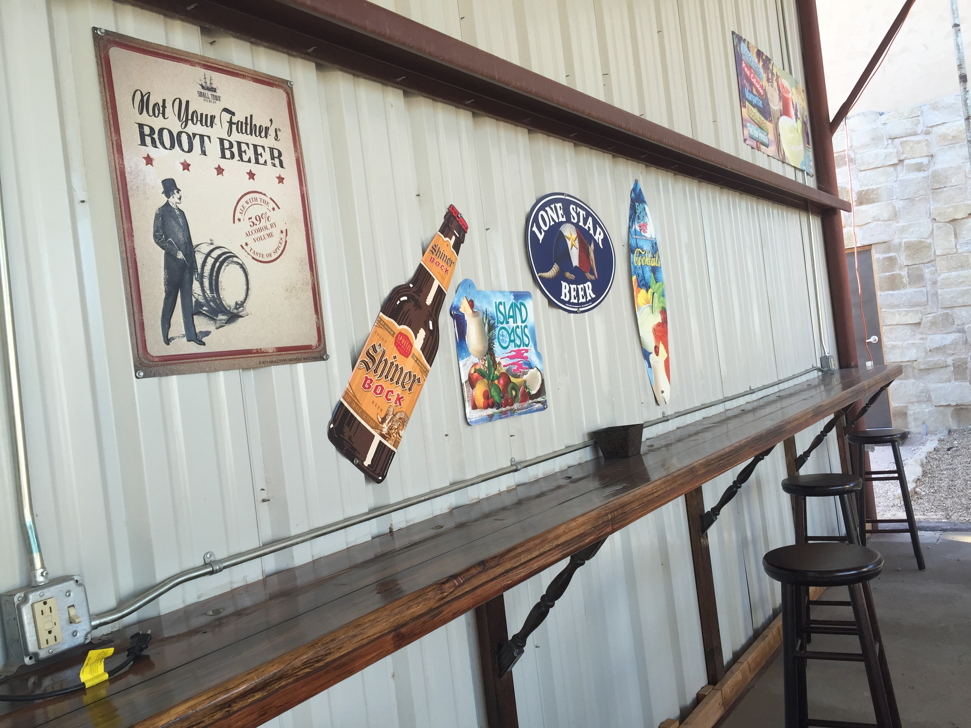 bar closed showing beer signs